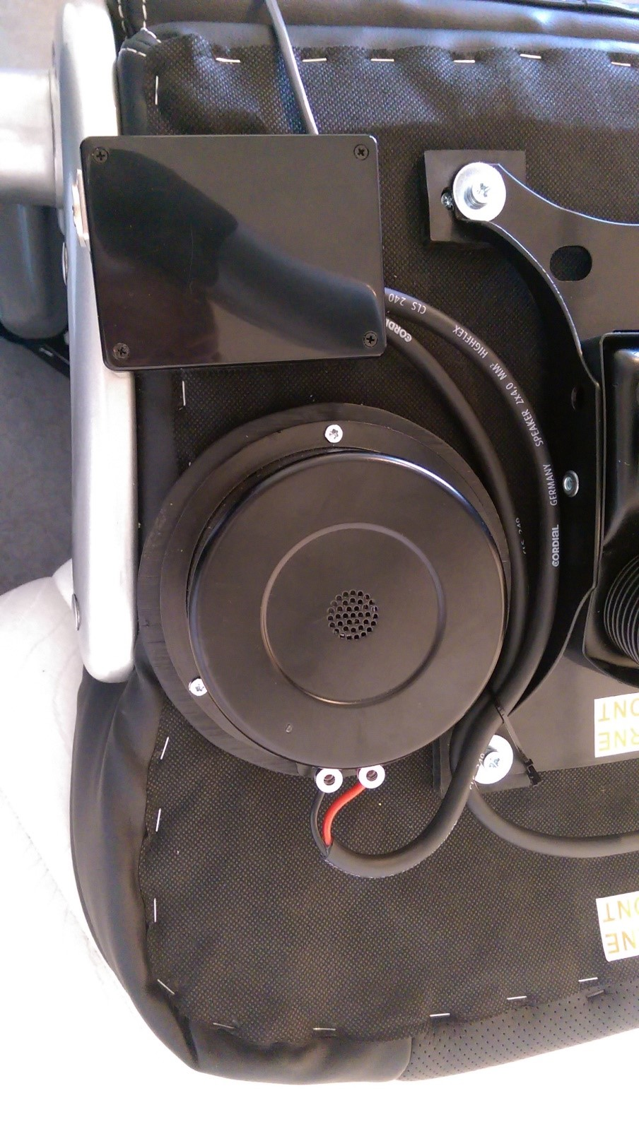 Help with the installation of a bass shaker in a payseat (office chair)